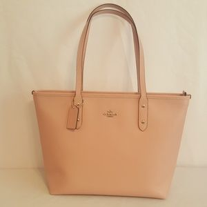 Coach City Zip Tote in Crossgrain Leather F58846